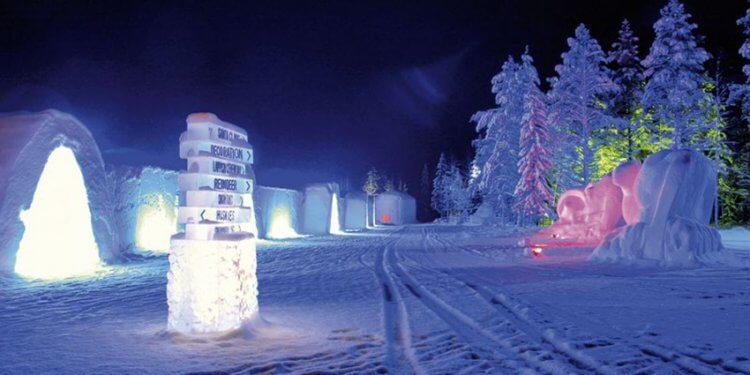 Entdecken Sie Lappland per Schlitten oder Schneemobil, schlafen Sie im Iglo und Speißen Sie umgeben von Eis mit dem Rosenheimer Reiseservice.