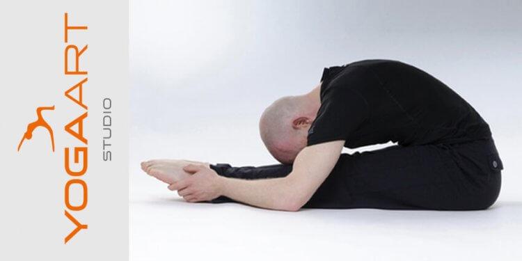 Werde selbst zum Yogalehrer. Beginne eine Yogalehrer Ausbildung bei Yogaart in Rosenheim. In einem geführten 50 Stunden Intensivkurs, wirst du von geprüften Yogalehrerin unterrichtet und selbst zum YinYoga Trainer ausgebildet.