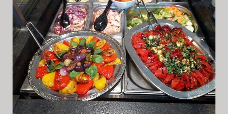 Salate und Aufstriche